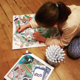 vignette-coq6grue-enfant-jeux